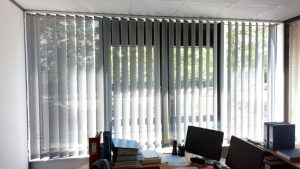 store bandes verticales screen