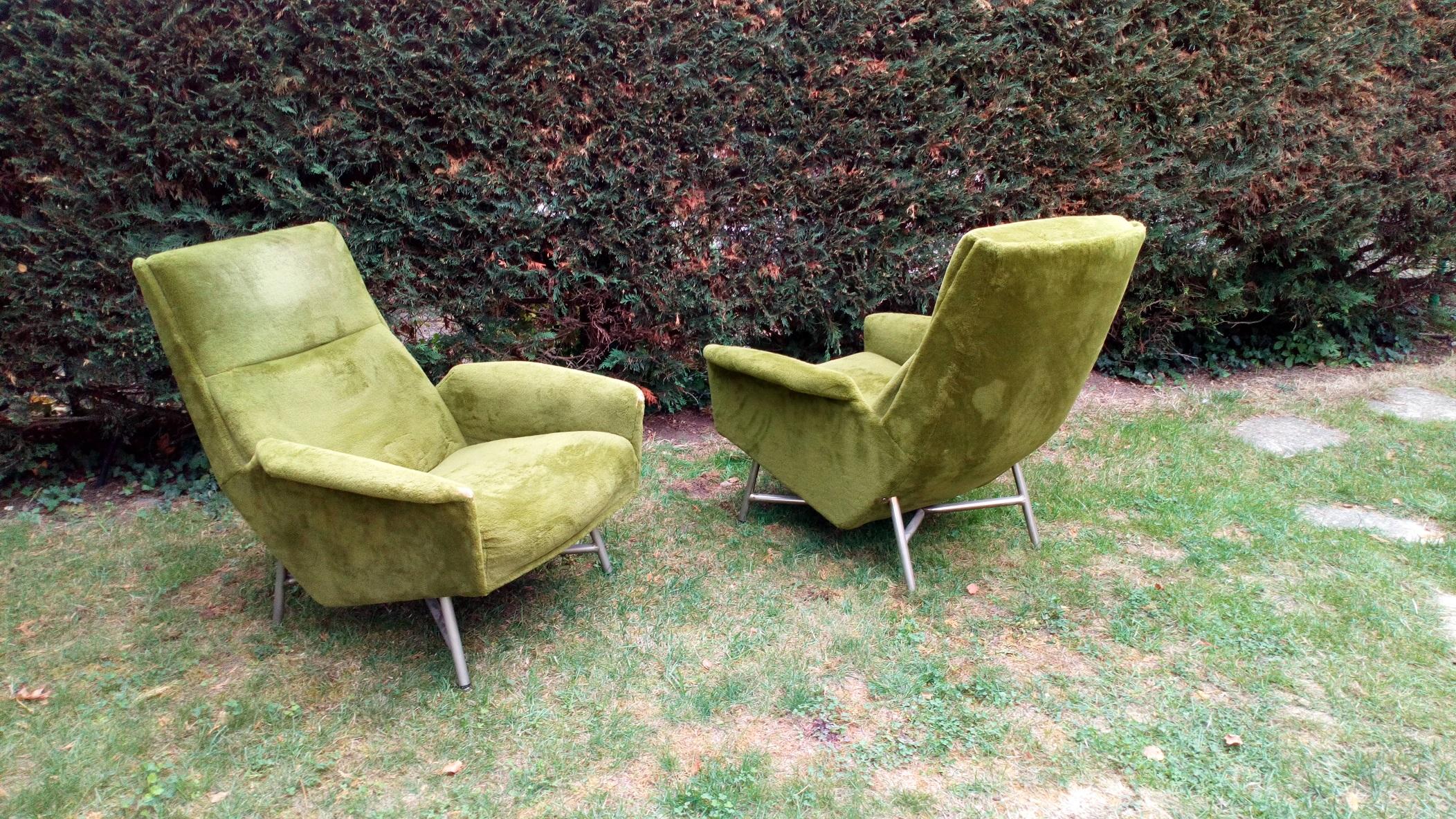 paire de fauteuils de Guy Besnard